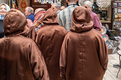 Women Entering the Mosque (Jill Clardy) Tags: amman asia dome israel jordan kingabdullahmosque location middleeast roadscholar blue 201810269l8a1754 women cover hoods gowns brown