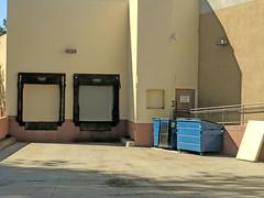 Rancho Bernardo 9-29-18 (2) (Photo Nut 2011) Tags: ranchobernardo sandiego california dumpster albertsons