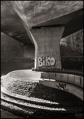 Biko (TK@Pictures) Tags: flickr theodorkierdorf blackandwhite bnw bridge bamberg concrete graffiti m246 architecture