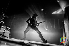As I Lay Dying-6 (Paradise Through a Lens) Tags: 013poppodium 2 2december 2december2018 2018 asilaydying charvalguitar charvel charvelguitar gitaar gitarist guitar guitarra guitars paradisethroughalens philsgrosso sandiego tour vanhoucke yngwie california charvelguitars concert d850 december gig guitarist hardcore metal nikon nikond850 optreden punk rock show stage tilburg