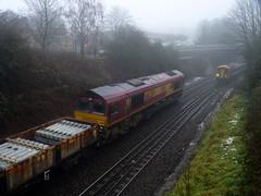 66230 158889 Salisbury 28.12.10 (Sarum33) Tags: salisbury 66230 158889 class66 class158 dmu