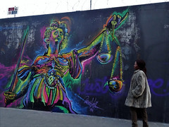 Justice fiscale (Jeanne Menjoulet) Tags: rueordener paris justicefiscale streetart justice urbanart