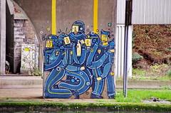 78 Paris décembre 2018 - canal Saint-Denis, sous le pont de l'autoroute A86 à Saint-Denis (paspog) Tags: paris france saintdenis canal kanal canalsaintdenis streetart fresque fresques mural murals tags graffitis décembre december dezember 2018