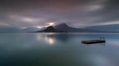 disparu (flo73400) Tags: paysage landscape longexposure poselongue minimalisme lacdannecy lake