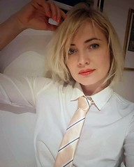 2019-01-23_03-02-37 (ClaireClarinette) Tags: woman women girl lady shirt tie beauty blonde style nice