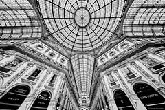 Mailand Galleria Vittorio Emanuele II 3 bw (rainerneumann831) Tags: milano mailand galleriavittorioemanueleii einkaufszentrum looking architektur bw blackandwhite ©rainerneumann greaterphotographers