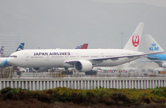 JA735J Japan Airlines Boeing 777-346(ER) (BayAreaA380Fan Photography) Tags: unitedairlines unitedexpress embraer emirates embraererj175lr boeing airbus boeing737 boeing747 boeing757 boeing767 boeing777 737 747 757 767 777 787 dreamliner boeing787 airbusa330 airbusa319 airbusa380 airbusa320 airbusa321 airbusa350 a319 a320 a321 airbusa340 a340 a350 a380 superjumbo deltaairlines interjet alaskaairlines moretolove allnipponairways staralliance ana aircanada aircanadajetz southwestairlines cathaypacific koreanair aeromexico japanairlines klm klmroyaldutchairlines icelandair virginamerica virginatlantic americanairlines americaneagle qantas evaair privatejet britishairways airfrance lufthansa wheelsup beechb300superkingair350 fedex planespotting sanfranciscointernationalairport sfo ksfo