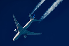 United Airlines Boeing 777-224(ER) N78009 (Thames Air) Tags: united airlines boeing 777224er n78009 contrail telescope dobsonian contrails overhead vapour trail