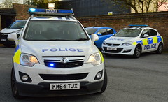 Durham Constabulary - KM64 TJX & KO15 ZZS (Chris' 999 Pics) Tags: durham constabulary incident response vehicle irv policing car 999 112 emergency law enforcement vauxhall antara rural astra km64tjx ko15zzs