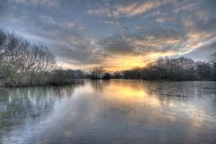 Hollows Sunrise (ArtGordon1) Tags: hollowpond hollowponds leytonstone walthamforest eppingforest london england uk winter january 2019 sunrise reflections reflection sky clouds cloud davegordon davidgordon daveartgordon davidagordon daveagordon artgordon1