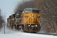GECX 9497 east in Genoa, Illinois on November 28, 2018. (soo6000) Tags: gecx leaser leasepower gecx9497 9497 unionpacific c408w genoa illinois freeportsub cn u70691 ethanolload tanktrain freight train railroad snow