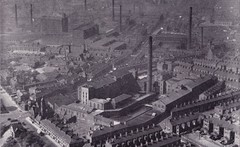 Oldham - a town in Lancashire where cotton is spun; aerial photograph, c1955 (mikeyashworth) Tags: oldham lancashire c1955 greatermanchester cottonmills plattbrothers hartfordworks werneth aerialphotograph