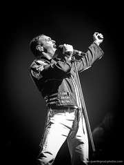 Gary Mullen & The Works - One Night Of Queen_Olympia_10 janvier 2019 (1) (www.quentinprod-photos.com) Tags: singer artist bohemianrhapsody garymullen theworks onenightofqueen queen tribute band music livemusic stage concert rock blackwhite freddymercury olympia paris