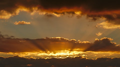Lauris 47 (Christophe Lejars) Tags: sky sunset provence