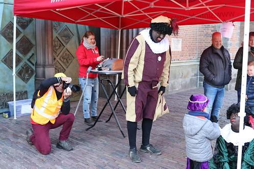"2018-11-18 Sinterklaas-fotografie VraagAnthea (5) <a style=""margin-left:10px; font-size:0.8em;"" href=""http://www.flickr.com/photos/44627450@N04/44157308070/"" target=""_blank"">@flickr</a>"