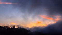 Un réveil vaporeux (mrieffly) Tags: alsace htrhin hautesvosges leverdesoleil geishouse canoneos50d nuages brumes