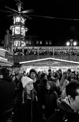 Warm Strudels, Christmas Markets, Albert Square, Manchester (_p_e_r_s_e_p_h_o_n_e_) Tags: manchester manchestertownhall albertsquare christmasmarkets monochrome streetphotography canoneos80d affinityphoto