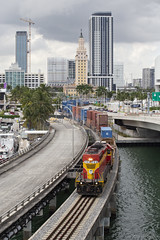Miami's Port Train (The Industrial Railfan) Tags: elchlok henrydell train railway railroad theindustrialrailfan fec floridaeastcoastrailway yardjob local