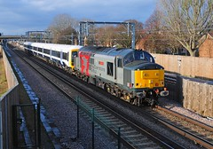 37884 +Southeastern unit 465165 are seen at Abbey Wood with the 5Q88 Wolverton works- Slade Green Depot on 12-12-18. Copyright Ian Cuthbertson (I C railway photo's) Tags: class37 37884 rog growler tractor abbeywood 465165 drag