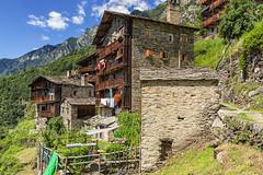 Antichi alpeggi (cesco.pb) Tags: savogno valchiavenna lombardia lombardy italia italy montagna mountains alpeggio canon canoneos60d tamronsp1750mmf28xrdiiivcld