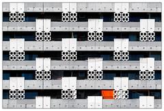 Individualismus (frodul) Tags: architektur ausenansicht balkon banister detail fassade gebäude gebäudekomplex gestaltung linie outdoor symmetrie münchen sheraton bayern deutschland