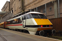 LNER 91119 (SRB Photography Edinburgh) Tags: lner eastcoast intercity class91 91119 edinburgh waverley 1s09 1e14 trains uk railways