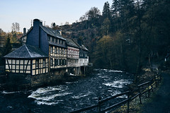 Monschau morning (heim_sven) Tags: monschau wood forrest winter cold 35mm samyang fachwerkhaus water river nature time film filmlook cine landscape cityscape character early morning sony a7 14 sonya7