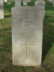 Private S. Dyson (Living in Dorset) Tags: wargrave wardead grave headstone wwi aldershotmilitarycemetery aldershot hampshire england uk gb 1915 sdyson