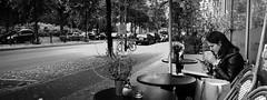 Coffee & Wi-Fi (Art de Lux) Tags: berlin kreuzberg menschen personen people kaffee coffee smartphone cafe tisch table street candid schwarzweis sw blackandwhite bw artdelux explore