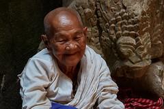 Preah Khan – Woman (Thomas Mülchi) Tags: preahkhan angkor siemreap cambodia 2018 siemreapprovince woman person people luckycharm krongsiemreap kh