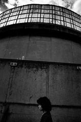 Street555 (soyokazeojisan) Tags: japan osaka city people bw blackandwhite analog olympus m1 om1 21mm film trix memories 1970s