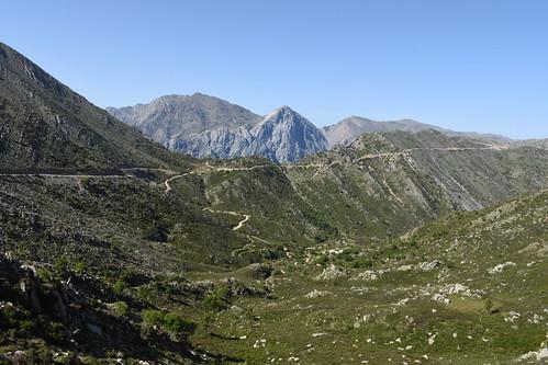 Poria pass with Mts Volakias, Gingilos, Strifomadi and Psilafi behind