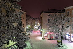 My street in the night - before the next snow-invasion! (rotraud_71) Tags: germany bavaria berchtesgadenerland badreichenhall poststrase night winter trees lights people concordians