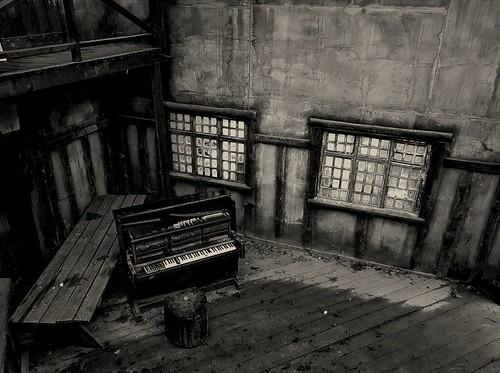 piano ©  Sergei F
