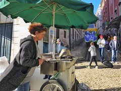 Ascensor Da Gloria (Douguerreotype) Tags: graffiti lisboa lisbon candid city people street urban portugal tram food