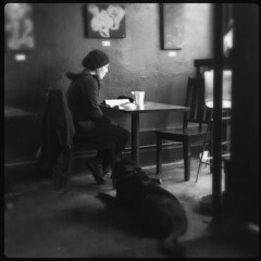 faithful companion (Chris Blakeley) Tags: seattle hipstamatic candid streetphotography cafe coffeehouse bnw chocolati