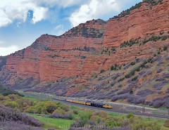 Big Boy returns to Echo Canyon (rolfstumpf) Tags: usa utah echocanyon unionpacific up4014 bigboy emd sd70m canyon landscape lincolnhighway trains