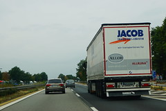 Schmitz Cargobull S.CS Tautliner - Jacob Transport & Logistik GmbH Uffenheim, Deutschland (Celik Pictures) Tags: duitsland almanya germany deutschland allemagne seenindeutschland nürnberg würzburg frankfurt köln a3 e56 autobahn autobaan snelweg motorvag highway freeway a3e56autobahnpassaunürnbergwürzburgfrankfurtkölndeutschland vacationphotos roadphotos vehiclephotos shootedonhighway shootedfromhighway shootedfromcar seenata3e56autobahnpassaunürnbergwürzburgfrankfurtkölndeutschland schmitz cargobull scs tautliner neajr821 jacobtransportlogistikgmbh uffenheim