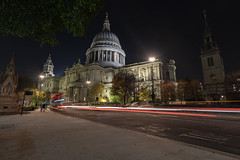 The Night Bus @ St Pauls Cathedral (pboolkah) Tags: london england unitedkingdom gb soe night bus street city canon canon5d canon5dmkiv