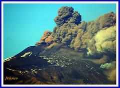 (fr@nco ... 'ntraficatu friscu! (=indaffarato)) Tags: italia italy sicilia sicily catania etna montagna mongibello mare vulcano cratere crater fumo