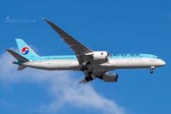 HL 8082 B789 KOREAN AIR YBBN (Sierra Delta Aviation) Tags: korean air brisbane airport boeing b789 ybbn hl8082