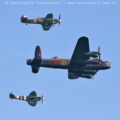 8852 BBMF PZ865 AB910 Lanc Spitfire Hurricane (photozone72) Tags: eastbourne airshows aircraft airshow aviation raf canon canon7dmk2 canon100400f4556lii 7dmk2 bbmf rafbbmf lancaster avro spitfire hurricane props warbirds wwii ab910 pz865