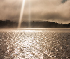 IMG_5393-1 (Andre56154) Tags: schweden sweden sverige see lake wasser water nebel mist fog dust wolke cloud himmel sky landschaft landscape sonne sun