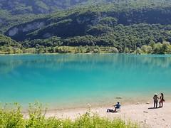 Lago di Tenno (Las Cuentas) Tags: lago di tenno wasserfall gras italia dolomiti dolomiten wasser see lake italy berge mountain samsung galaxy urlaub holiday bäume acqua blue green verde nature blu