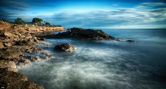 Extasiado (candi...) Tags: agua rocas mar arboles cielo nubes sonya77 largaexposición naturaleza nature