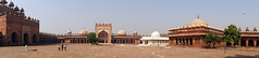2018-10-26 0605 Indien, Fatehpur Sikri, Jama Masjid-Moschee, Innenhof (Joachim_Hofmann) Tags: indien uttarpradesh fatehpursikri moschee jamamasjid innenhof salimchishtimausoleum islamkhanmausoleum