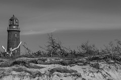 Darßer Leuchtturm (zora_schaf) Tags: zingst fischland zoraschaf blackandwhite schwarzweiss sand strand ostsee leuchtturm