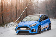 Focus RS-5 (Massard Kevin) Tags: rouge bleu blue ford focus rs performance canon 5d mark 2 l snow sport car cars