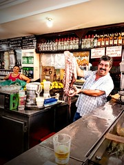 pesca do dia! (lucia yunes) Tags: bar bares restaurante pub bote boteco polvo pratododia food comida fotoderua luciayunes motoz3play fotografiaderua streetscene streetphoto octopus