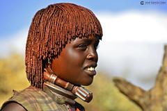 20180925 Etiopía-Turmi (1369) R01 (Nikobo3) Tags: áfrica etiopía turmi etnias tribus people gentes portraits retratos culturas color hamer tradiciones travel viajes nikon nikond800 d800 nikon7020028vrii social nikobo joségarcíacobo